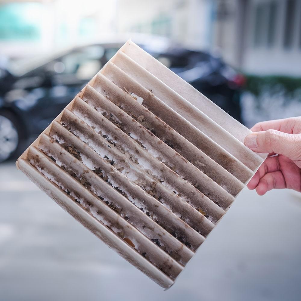 imagem-de-filtro-de-ar-condicionado-automotivo-sujo